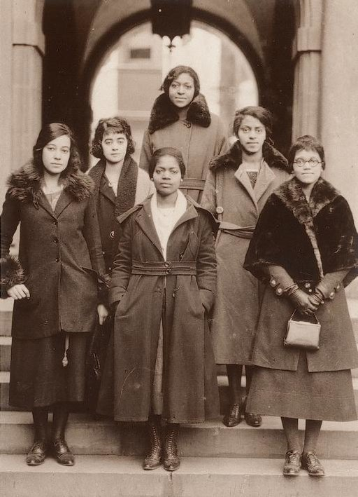 Photo of 6 University of Pennsylvania students